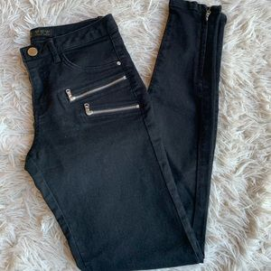 Zara Zippered Black Skinny Jeans